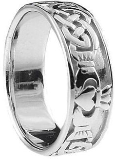 Story Behind Irish Claddagh Ring