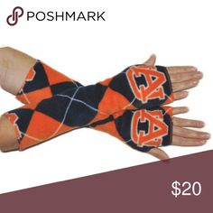14 inch Auburn Tigers Argyle fleece arm warmers 14 inch Auburn Tigers Argyle fleece arm warmers. All armwarmers are made from heavyweight fleece and are completly sergered for durability. One size will stretch to fit most. CATEGORY Handmade by Twochix Accessories Gloves & Mittens