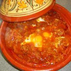 Tajine van kefta, tomaat en ei