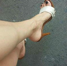 Sexy Legs And Heels, Hot Heels, Sexy High Heels, Beautiful High Heels, Beautiful Toes, Sexy Sandals, Bare Foot Sandals, Brian Atwood Shoes, Tan Body