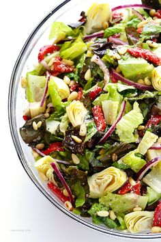 Family's Favorite Salad is made with lots of artichoke hearts, roasted red peppers, toasted pine nuts, and a zesty Parmesan vinaigrette. SO delicious, and always a crowd pleaser! Salad Bar, Soup And Salad, Pasta Salad, Chicken Salad, Side Salad, Spaghetti Salad, Avocado Chicken, Keto Chicken, Bbq Chicken