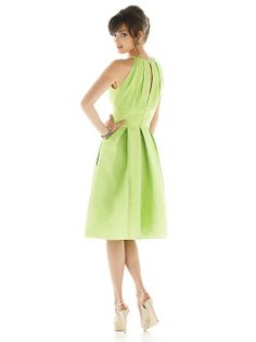 Alfred Sung Style D449 http://www.dessy.com/dresses/bridesmaid/d449/#.UwwD8z9OnFo