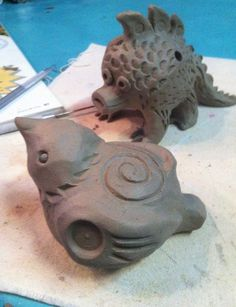 How to Build Sculptures That Sing. Picture of Bear Whistles! How to Build Sculptures that Sing.Picture of Bear Whistles! How to Build Sculptures that Sing. Ceramic Animals, Clay Animals, Ceramic Art, Ceramic Bowls, Ceramic Mugs, Easy Clay Sculptures, Art Sculpture, Ceramic Sculptures, Clay Art Projects