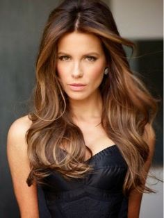 Brunette wit highlights nd lowlights, wanna do this for fall nd winter..looks like shiny silk:)