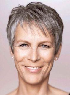 rövid+frizurák+50+feletti+nőknek+-+rövid+frizura+ősz+hajból