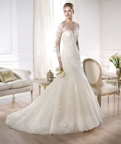 Wedding dress by Pronovias.