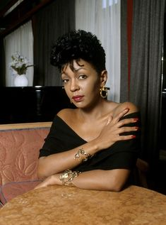 Anita Baker.....my hair muse back in the day!