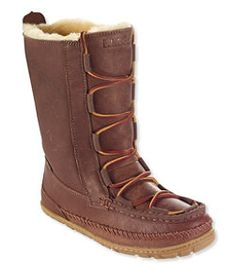 Find the best Women's Wicked Good Lodge Boots, Leather at L. Our high quality Women's Boots are thoughtfully designed and built to last season after season. Sexy Boots, Casual Boots, Bearpaw Boots, Ugg Boots, Calf Boots, Fall Fashion Trends, Autumn Fashion, Best Slippers, Wicked Good