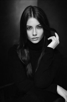 Amazing Black and White Portrait Photography - . Amazing Black and White Portrait Photography - Amazing Black and White Portrait Photography - . 100 Best Hairstyles for 2020 Model Poses Photography, Black Photography, Photography Women, Beauty Photography, Photography Backdrops, Photography Ideas, Photography Books, Woman Portrait Photography, Photography Classes