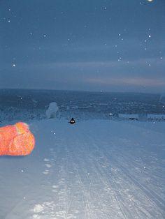 Friends from Russia in the Saariselkä - Finland's longest toboggan slope (4) | Saariselkä.   #saariselkä #saariselka #saariselankeskusvaraamo #lapland #astueramaahan #stepintothewilderness #saariselkaMTB http://www.saariselka.com/treklife