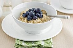 Berry Almond Crunch Oatmeal: it's a great diabetic breakfast and a healthy way to start your day!