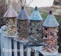 Birdhouse ideas: this stone birdhouse is an easy garden art project you can make for under $20.