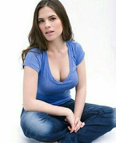Dream Girls Photos: Super Hot Cleavage Pictures of Hayley Atwell Beautiful Celebrities, Beautiful Actresses, Gorgeous Women, Hailey Atwell, Hayley Elizabeth Atwell, Peggy Carter, Female Stars, Indian Beauty, Beauty Women