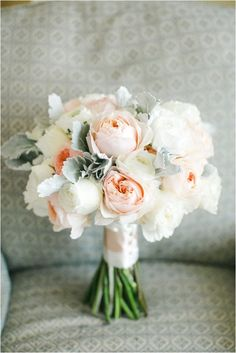 Gorgeous peach and white bouquet // Angel's Ink Photography // via Le Magnifique Blog
