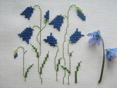 Gallery.ru / Фото #2 - Совместник по Герде - Mosca Cross Stitch Cushion, Tiny Cross Stitch, Cross Stitch Heart, Beaded Cross Stitch, Cross Stitch Borders, Cross Stitch Flowers, Cross Stitch Designs, Cross Stitching, Cross Stitch Patterns