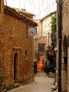 Tourrettes Sur Loup ~ Provence , France.