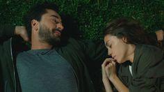 Ali Asaf'ın Eylül için hazırladığı sürpriz gece beklenmedik bir şekilde son bulur. Real Love, My Love, Beautiful Girl Drawing, Aladdin Movie, I Dream Of Jeannie, Elcin Sangu, Favorite Movie Quotes, True Love Quotes, Turkish Beauty
