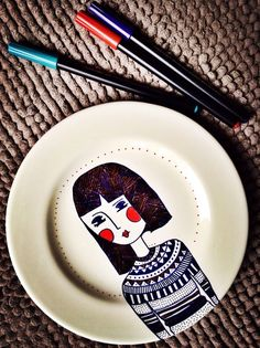 My Paintings On Porcelain Are Inspired By The People I See In French Style Cafes | Bored Panda