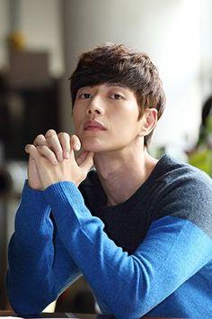my ideal type oppa😍😍😍 Asian Celebrities, Asian Actors, Korean Actors, Park Hye Jin, Park Hyung Sik, Korean Men, Asian Men, South Corea, Korean Couple