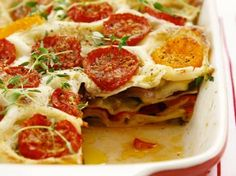 Gemüse-Lasagne mit Tomaten, Paprika und Zucchini Vegetable lasagna with tomatoes, peppers and zucchi Veggie Recipes, Vegetarian Recipes, Cooking Recipes, Healthy Recipes, Cheap Clean Eating, Clean Eating Snacks, Zucchini Vegetable, Zucchini Lasagna, Zucchini Pasta