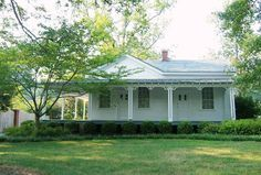 The Pace House in Vinings, Georgia: This historic house was built with the remains of the 17-room antebellum home of Vinings founder Hardy Pace. The house served as General Sherman's temporary headquarters where he planned the siege of Atlanta.
