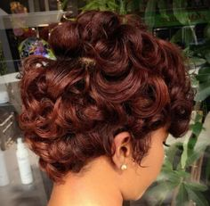 50 Gorgeous Chestnut Brown Hair Color Ideas in These 50 gorgeous chestnut brown hair color ideas below have so many rich shades to refresh your look. Even chestnut brown hair color has many differe. Short Curly Hair, Short Hair Cuts, Curly Hair Styles, Natural Hair Styles, Medium Curly, Ponytail Styles, Curly Bob, Black Women Hairstyles, Girl Hairstyles