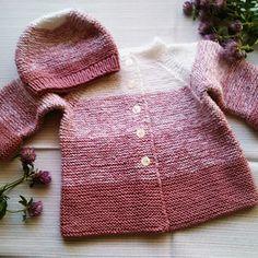 Kabátek skořicovo-bílý + bezešvá čepička Knitted Hats, Knitting, Sweaters, Fashion, Breien, Moda, Tricot, Fashion Styles, Stricken