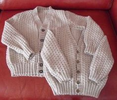 - The knitting workshop of Mam 'Yveline. Baby Cardigan Knitting Pattern Free, Crochet Baby Dress Pattern, Baby Knitting Patterns, Baby Boy Cardigan, Pull Bebe, Thing 1, Elegant, Kids Fashion, Couture