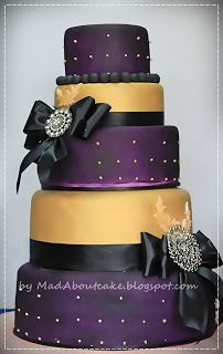 Mad About Cake: Deep purple and Gold Wedding Cake, Be BOLD Would use silver & gray instead of gold and black But this is gorgeo💜💜💜💜 Amazing Wedding Cakes, White Wedding Cakes, Amazing Cakes, Pretty Cakes, Beautiful Cakes, Purple And Gold Wedding, Purple Gold, Deep Purple, Purple Cookies