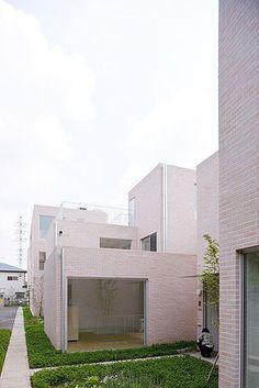 Kazuyo Sejima: Seijo Apartments. Tokyo