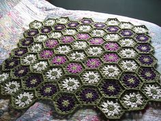 Ravelry: Project Gallery for Flower Garden Throw pattern by Melody Griffiths