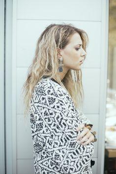 Boucles d'oreilles pour femme WellDunn- Zenya 30,00$ Pièce métallique - pyrite - pierre de lapis lazuli