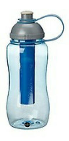 juomapullo kylmennys patruunalla valeanpunainen tai violetti Water Bottle, Drinks, Drinking, Beverages, Water Bottles, Drink, Beverage