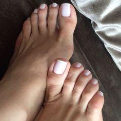 Bom dia❤ #barefoot#unhaslindas#arco#francesinha#nails#pessensuais #feet #feetfetish #feetstagram #feet#footfetishnation #footfetish #footmodel #lindasunhas #footnail #pesderainha #pesdeanjo #pesdeprincesa #sexyfeet #tesaoporpes #tesaoporpes #pezinhos #meupé #podomusa#podolatria#podolatra#veias#teamfeet#pies#unhasdelicadas#veins#