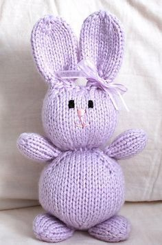 knitting patterns toys Let's just say I wish I found these adorable free Easter patterns a lot earlier . Knit up a vintage Easter bunn. Knitted Bunnies, Knitted Animals, Knitted Dolls, Animal Knitting Patterns, Stuffed Animal Patterns, Crochet Patterns, Baby Patterns, Dress Patterns, Easy Knitting