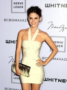 O que é vestido bandage e como usar. Saiba mais no artigo http://vestidodamoda.net/o-que-e-vestido-bandage-e-como-usar/