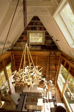 love everything about this... especially the antler chandelier