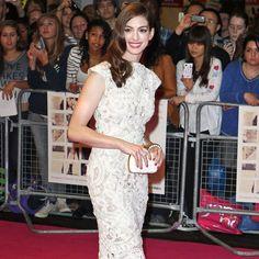 Red Carpet Buzz: Anne Hathaway  - ELLE.com