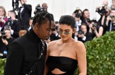 Mom and dad ❤️ Kylie Jenner Outfits, Kylie Jenner Lips, Kylie Jenner Pictures, Kendall And Kylie Jenner, Cosmopolitan, Travis Scott Kylie Jenner, Life Of Kylie, Hello Kitty Photos, Thug Girl