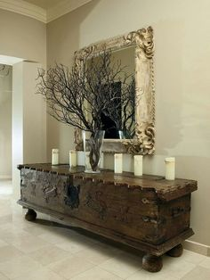 Superb Natural embellishments can also look great in neutral tones. The post Natural embellishments can also look great in neutral tones…. appeared first on Erre Design . Cool Ideas, Rustic Decor, Rustic Entry, Entryway Tables, Entryway Decor, Rustic Console Tables, Buffet Console, Wooden Console, Entrance Decor