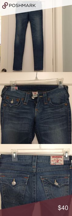 True Religion Jodie med wash jeans Size 24 low rise True Religion jeans with button pockets. Lightly worn, stretch denim, straight leg True Religion Jeans Straight Leg