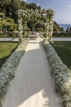 #FLORALIADECOR #StudioFotograficoRighi #WhiteWeddingProcession #Gypsophila