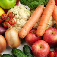 Son una excelente fuente de antioxidantes que mejoran la habilidad del cuerpo para resistir las infecciones y acelerar la recuperación de los tejidos. Para obtener las bondades de las frutas y vegetales debes consumirlos a diario.  Con esta sana alimentación tu cuerpo se recuperará rápidamente después de una intervención quirúrgica.