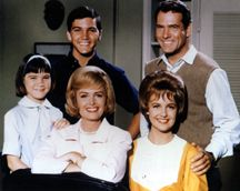 She is Paul Petersen's real life sister. Patty Petersen played Trisha, the adopted daughter on The Donna Reed Show. She was written into the cast when Shelley Fabares was asking to be let go from the series in Today,. Paul Petersen, The Donna Reed Show, Tv Moms, Prime Movies, All American Boy, Old Shows, Child Actors, Great Women, Old Tv