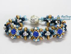 Floral Elegance Bracelet.  Pretty difficult to follow, woks best with special in flower in the middle.)