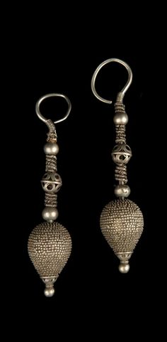 Pakistan - North West Province, Swat | Pair of earrings; silver. // ©Quai Branly Museum. 71.1982.58.11.1-2
