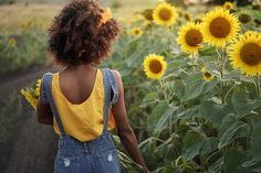 """""""Some of the days in November carry the whole memory of summer..."""" 🌻 🙂 🌻 - Gladys Taber . . Shop AVAS FLOWERS and... Save *Up to 45% OFF + FREE LOCAL DELIVERY Blooming in the Link Below! . XO, AVAS FLOWERS"""