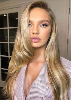 victorias secret model hair blonde hair inspiration best hairYou can find Victoria secret hair and more on our . Natural Blond Hair, Golden Blonde Hair, Blonde Hair Looks, Baby Blonde Hair, Blonde Brunette, Butter Blonde, Light Blond, Blonde Hair Inspiration, Blonde Bride