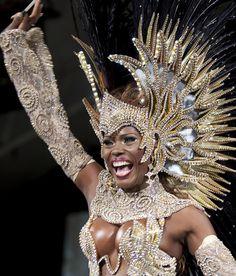 Cristiane de Souza Alves, a Rainha do Carnaval 2012 - Foto: Fernando Maia by RIOTUR | ASCOM, via Flickr Rihanna Carnival, Carnival Dancers, Carnival Girl, Brazil Carnival, Carnival Outfits, Trinidad Carnival, Carribean Carnival Costumes, Caribbean Carnival, Africa Tribes