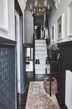 17 design ideas for small hallways - Small hallway ideas: 17 ways to supersize your space Narrow Hallway Decorating, Foyer Decorating, Hallway Designs, Hallway Ideas, Victorian Terrace Hallway, Hallway Wallpaper, Dark Hallway, Ikea Hallway, Hallway Colours